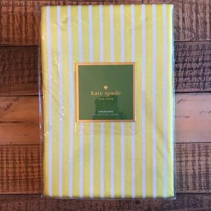 NWT KATE SPADE Tablecloth 60 x 84 Yellow & White
